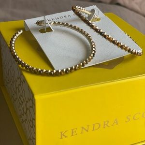 KENDRA SCOTT Birdie Hoop Earrings in Tigers Eye